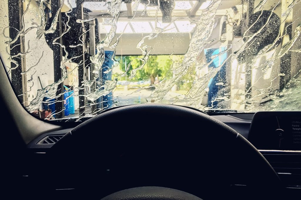 at-the-car-wash_t20_VK8Qxk